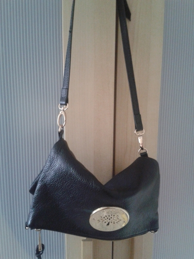 26c558c264 ... mulberry daria style black clutch bag 9e429 bc118  best denmark  mulberrys bags are legendary mostly the bayswater which is a medium to  large tote
