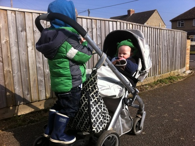 buggy board, ride on board, toddler, pushchair, oyster, babystyle oyster, siblings, brothers