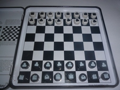 go play magnetic chess