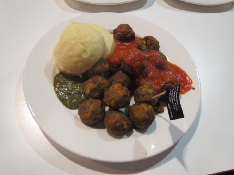 Veggie balls at ikea customer restaurant review review clue for Ikea vegetable balls